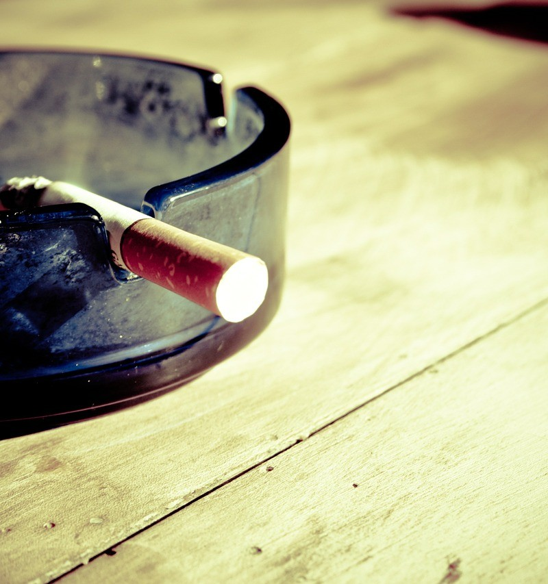 Pykanie szlugów jest jednym z bardziej katastrofalnych nałogów