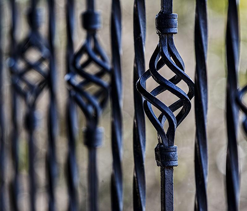 Nowoczesne ogrodzenia dla budynku ma wpływ na bezpieczeństwo